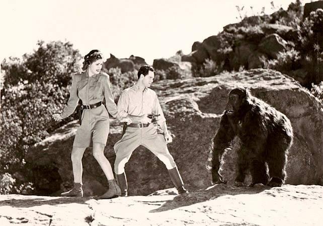 PERILS OF NYOKA (1942) Kay Aldridge and Clayton Moore