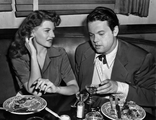 Rita Hayworth wih her husband Orson Welles