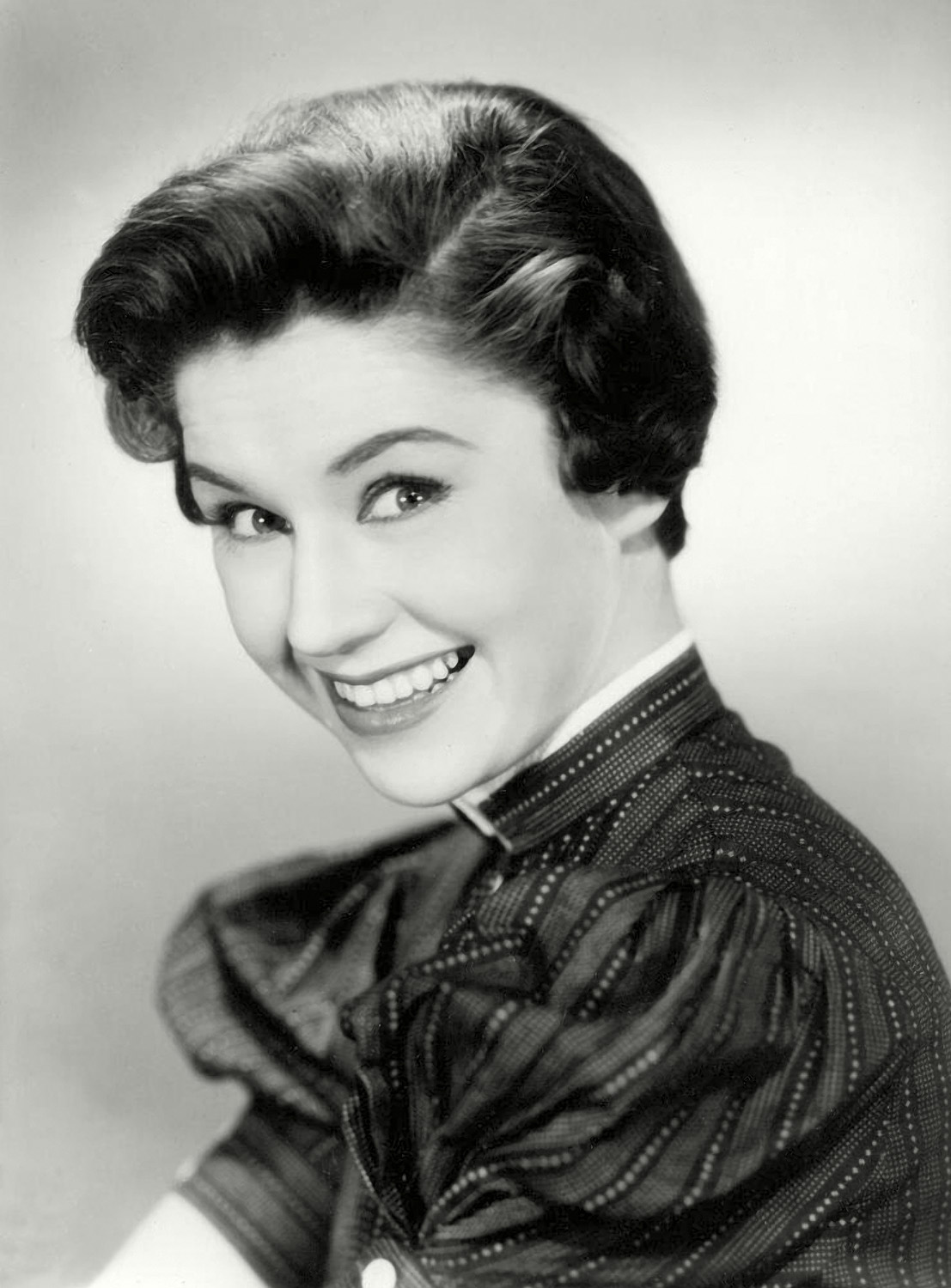 Lucy Griffiths (actress, born 1919) advise