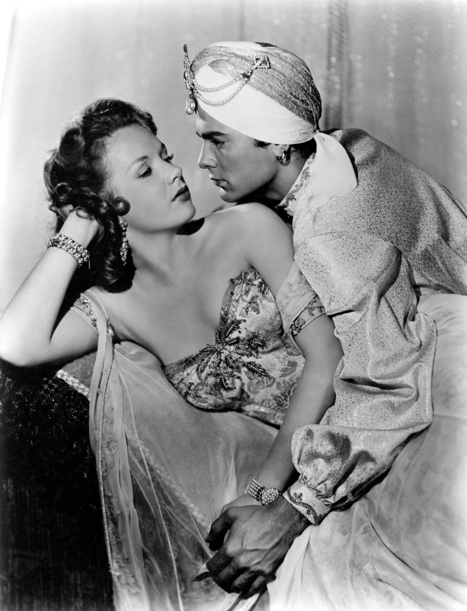 Tony Curtis with Piper Laurie
