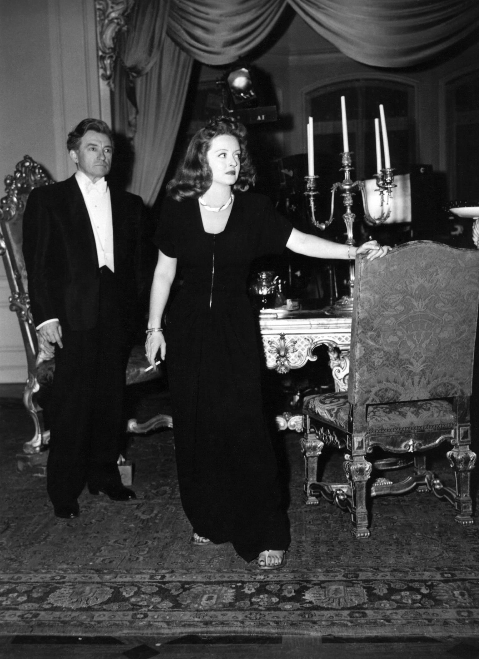 Bette Davis with Claude Rains