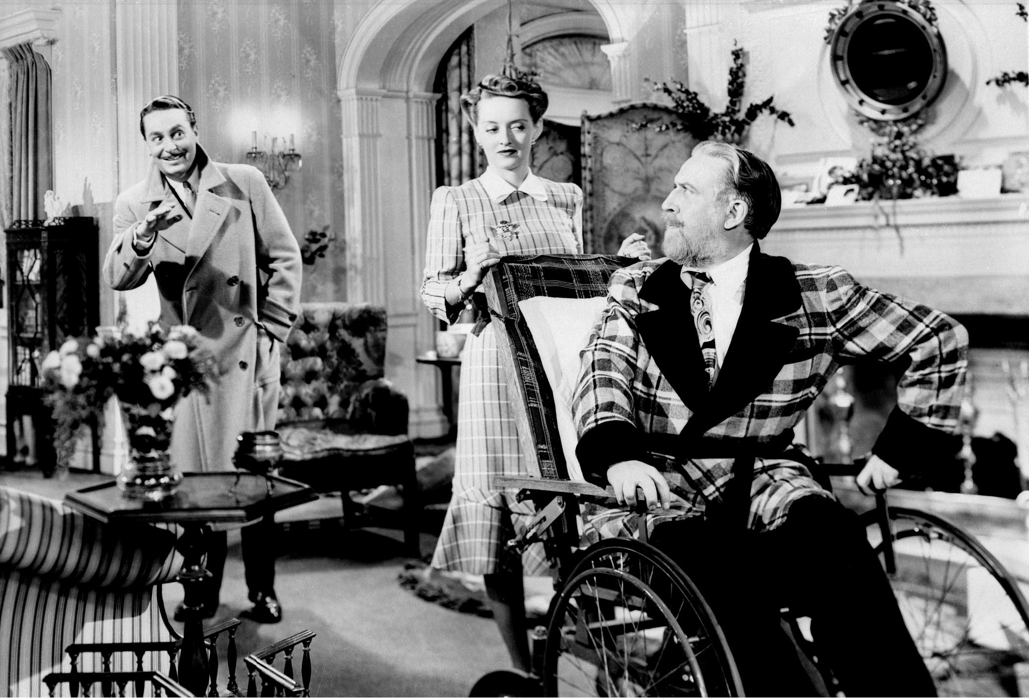 Reginald Gardiner, Bette Davis, Monty Woolley.