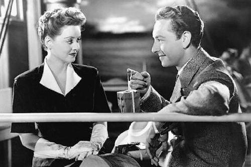 star Paul Henreid is remembered for playing opposite Bette Davis in Now, Voyager