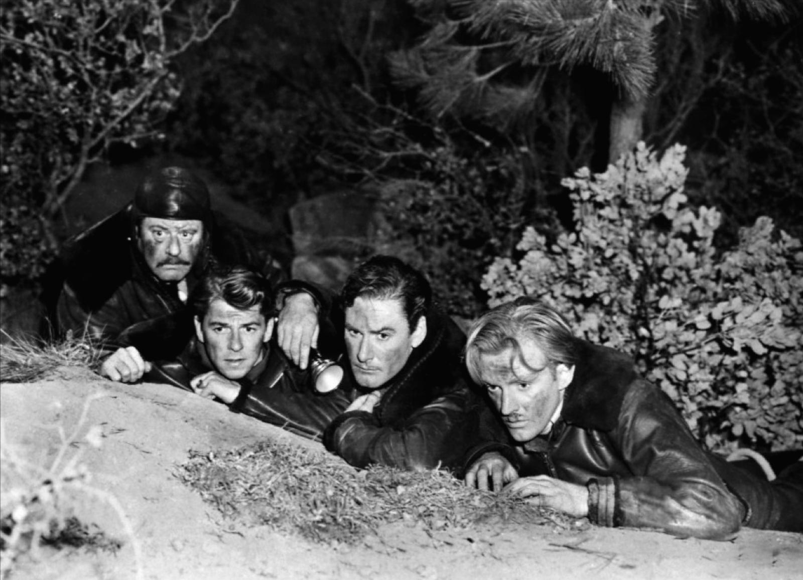 Alan Hale, Sr., Ronald Reagan, Errol Flynn, Arthur Kennedy