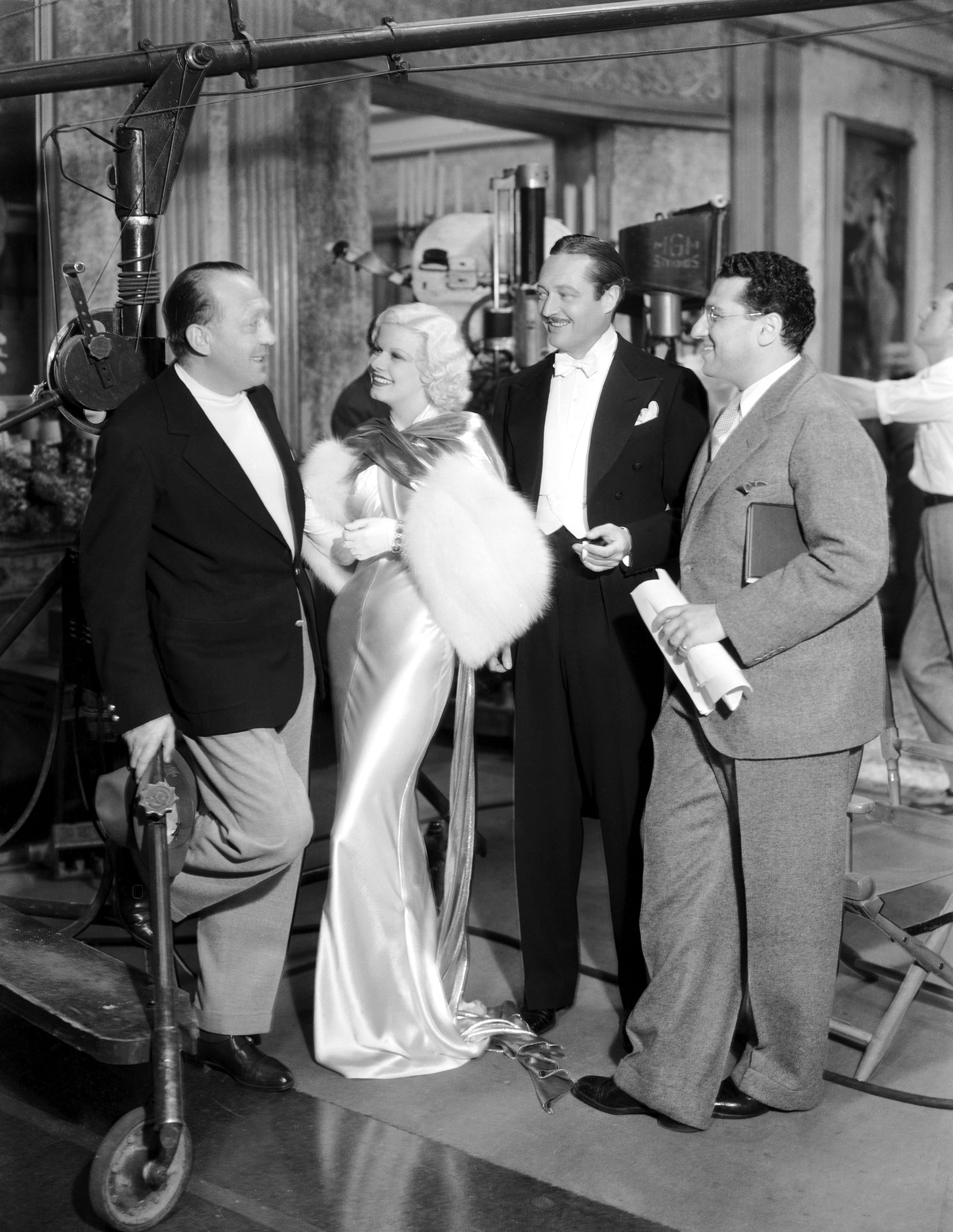 Jean Harlow in Dinner at Eight with (L to R)Edmund Goulding, Jean Harlow, Edmund Lowe,George Cukor