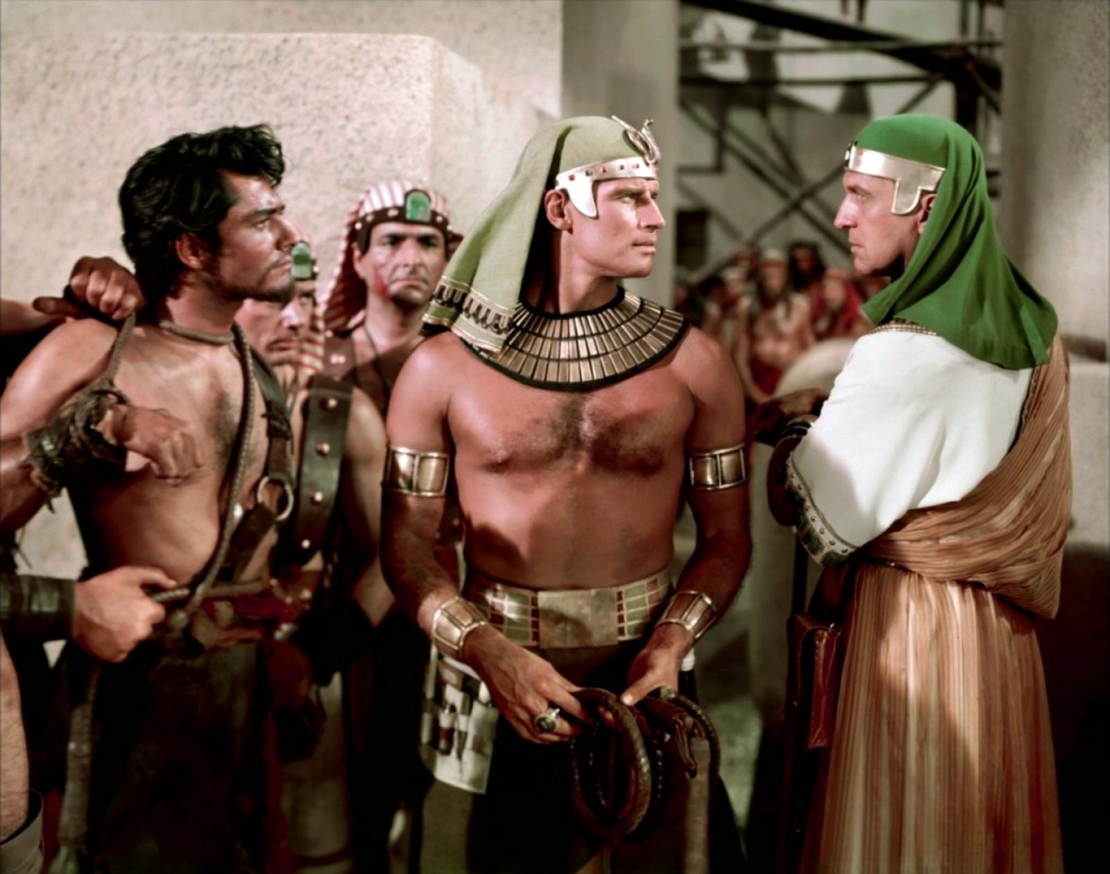 Charlton Heston in The Ten Commandments with (L to R) John Derek, Charlton Heston, Vincent Price