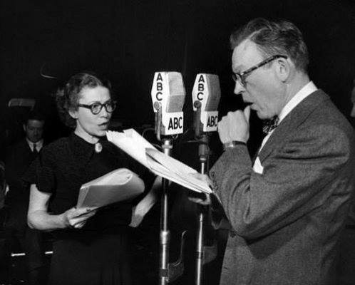 Thelma Ritter and Fred Allen banter on a radio show.