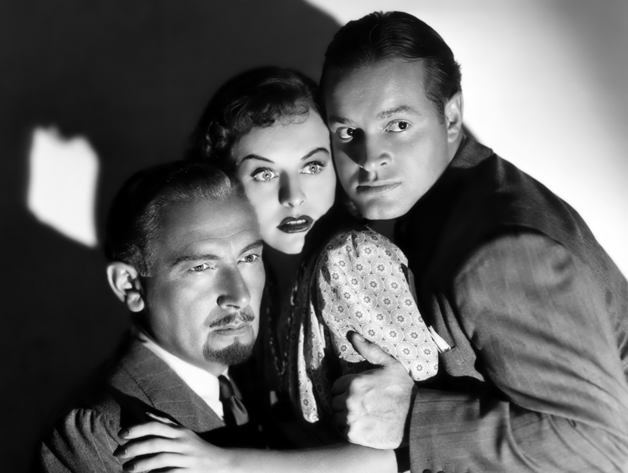 Bob Hope in The Ghost Breakers with (L to R) Paul Lukas, Paulette Goddard, Bob Hope