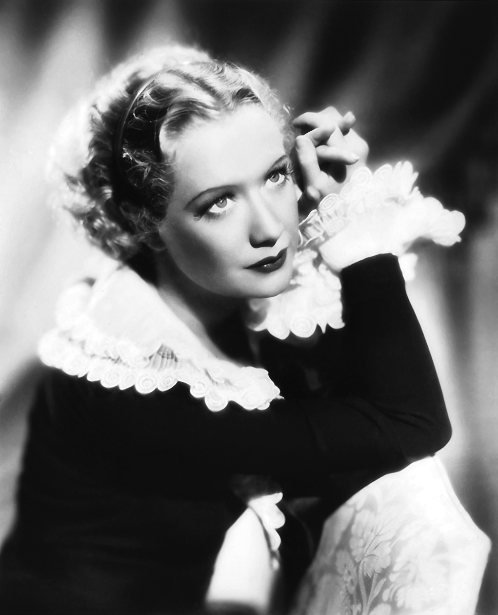 Miriam Hopkins in She Loves Me Not