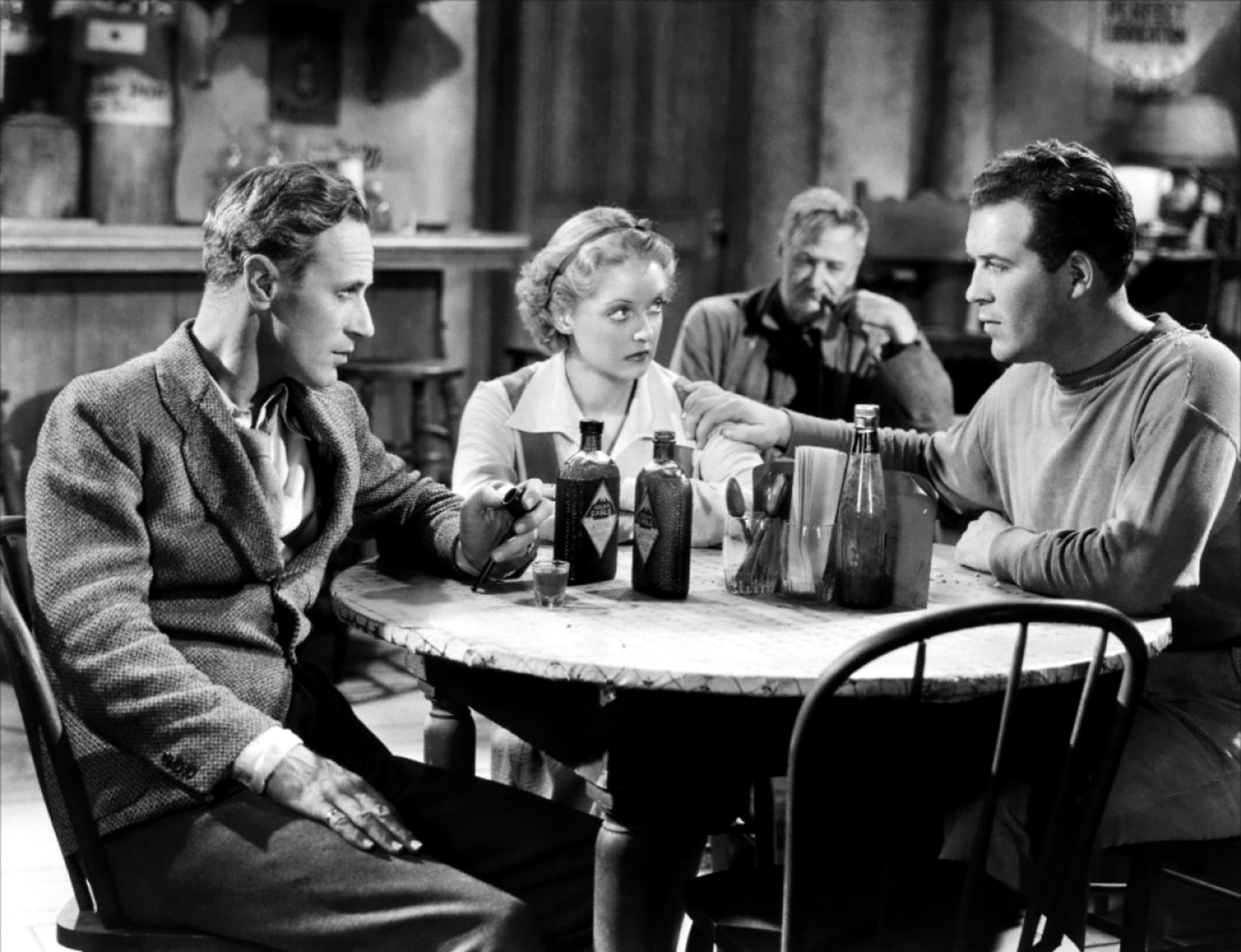 Leslie Howard in The Petrified Forest (L to R) Leslie Howard, Bette Davis, Charley Grapewin, Dick Foran