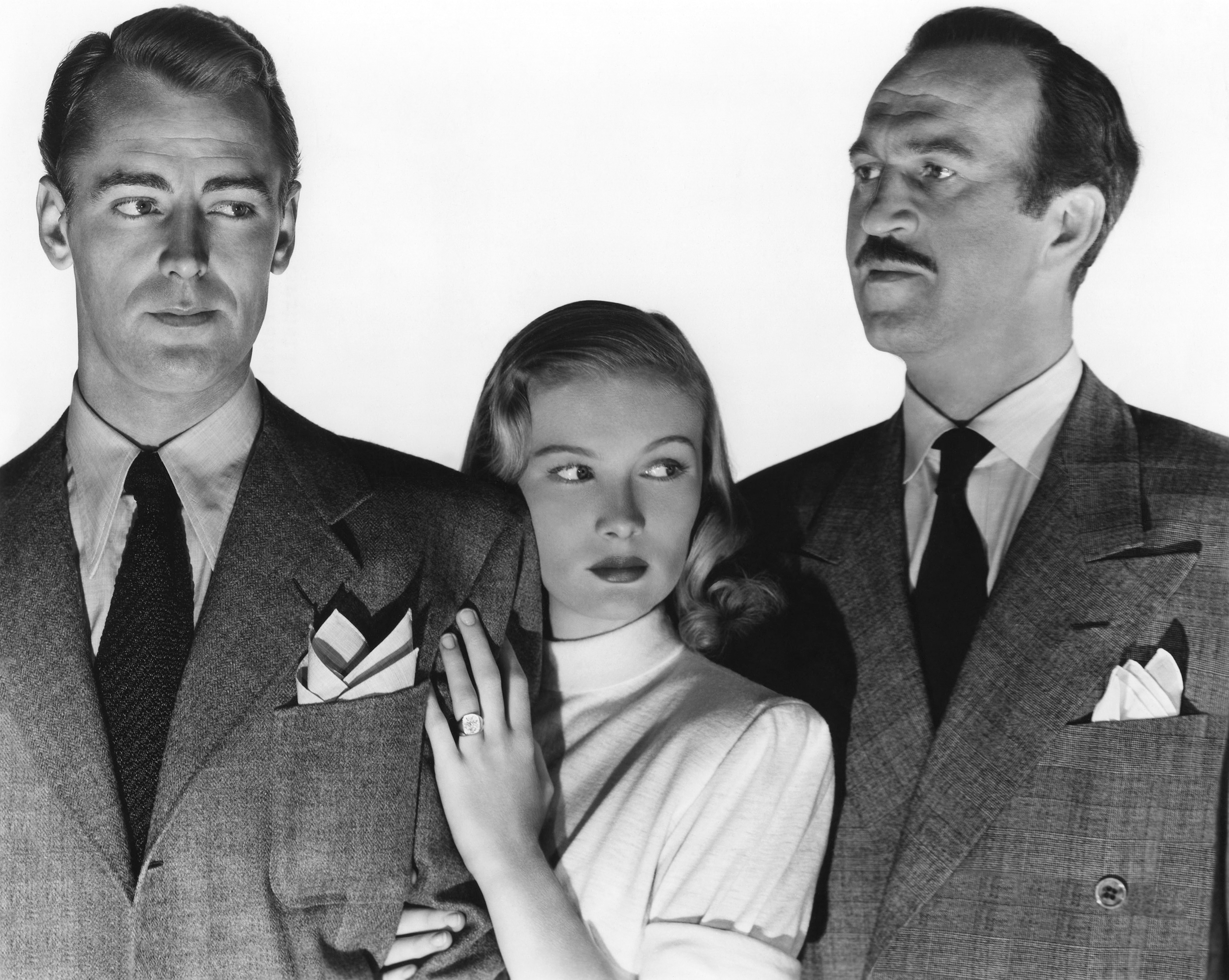 Alan Ladd in The Blue Dahlia (L to R) Alan Ladd, Veronica Lake, Howard Da Silva