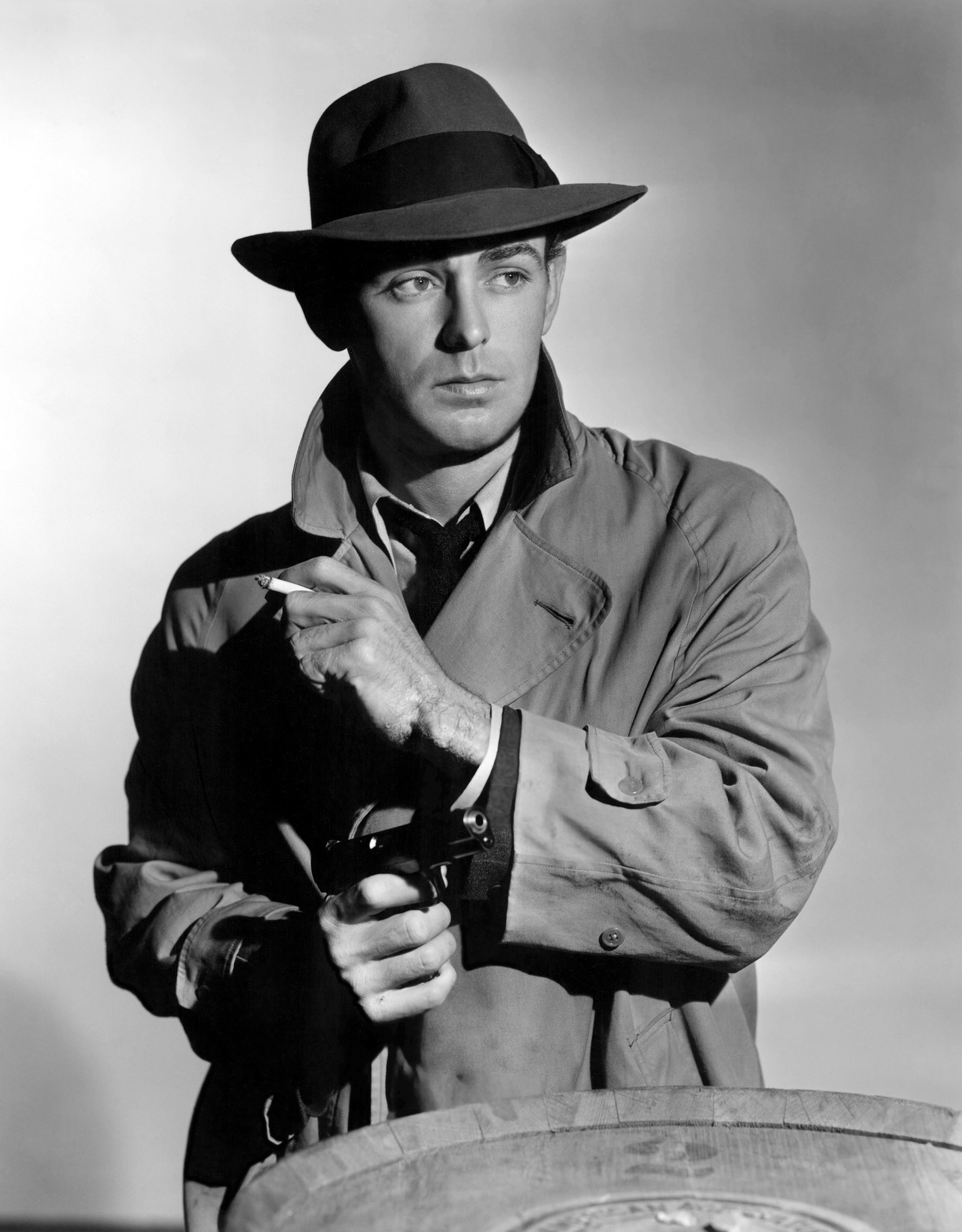 Alan Ladd in This Gun for Hire