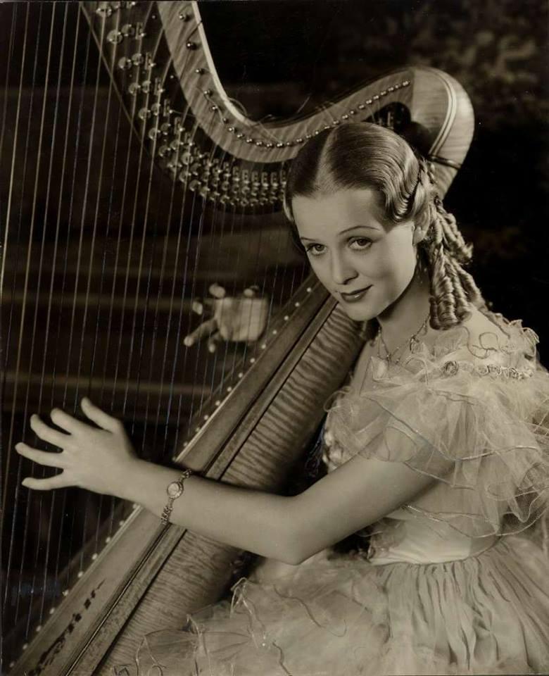 Gloria Stuart,