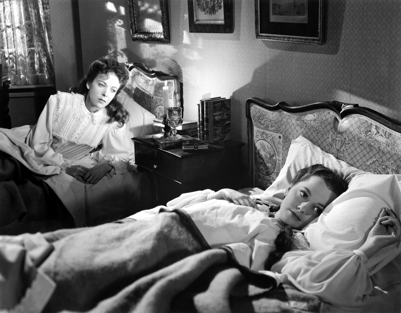 Ida Lupino With Olivia de Havilland (R)
