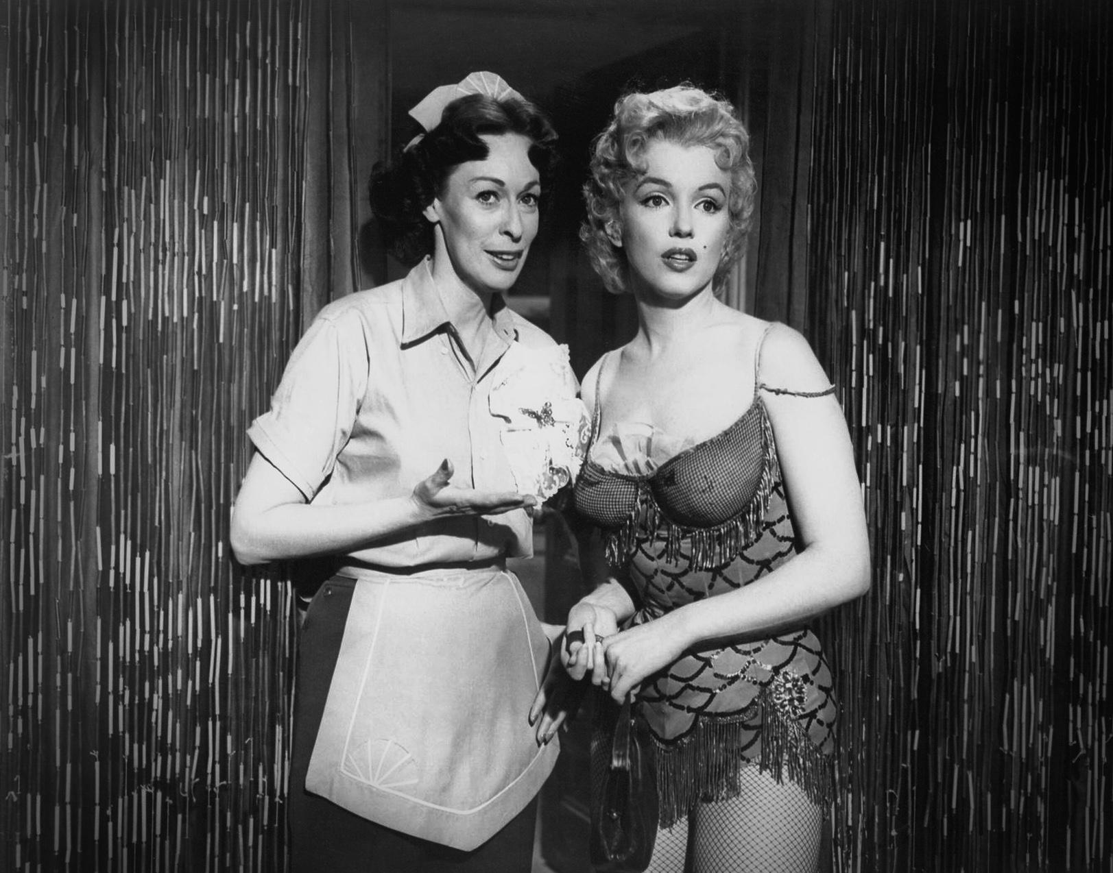 Marilyn Monroe With Eileen Heckart (L)