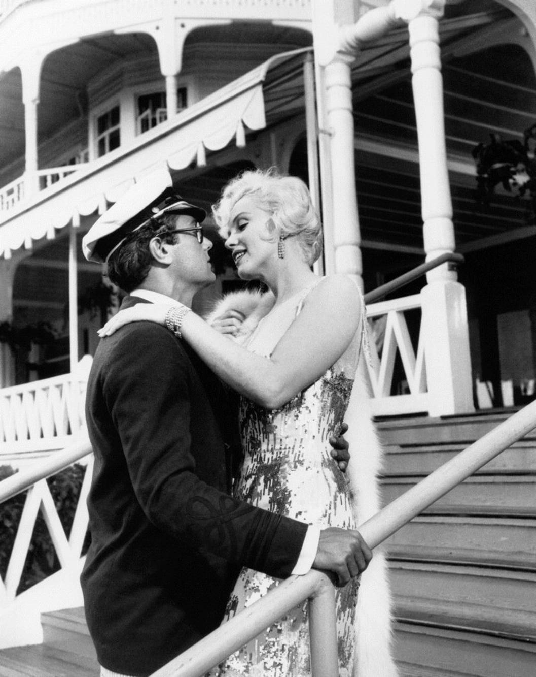 Marilyn Monroe With Tony Curtis