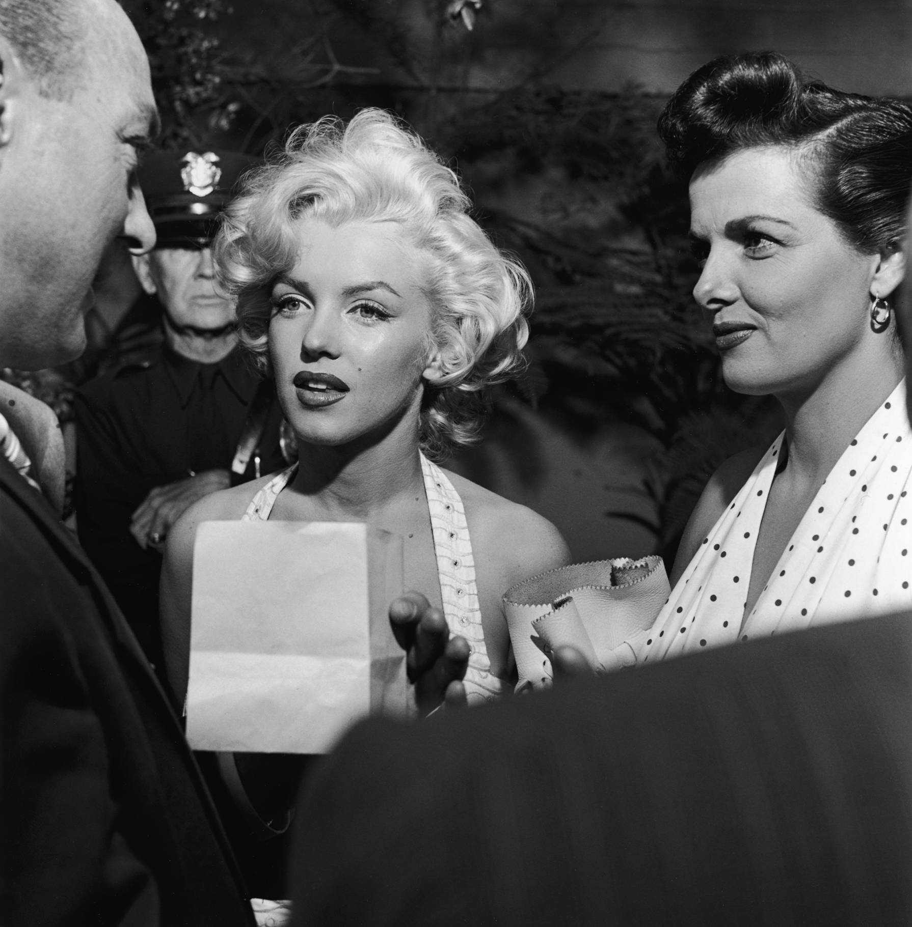 Marilyn Monroe With Jane Russell (R)