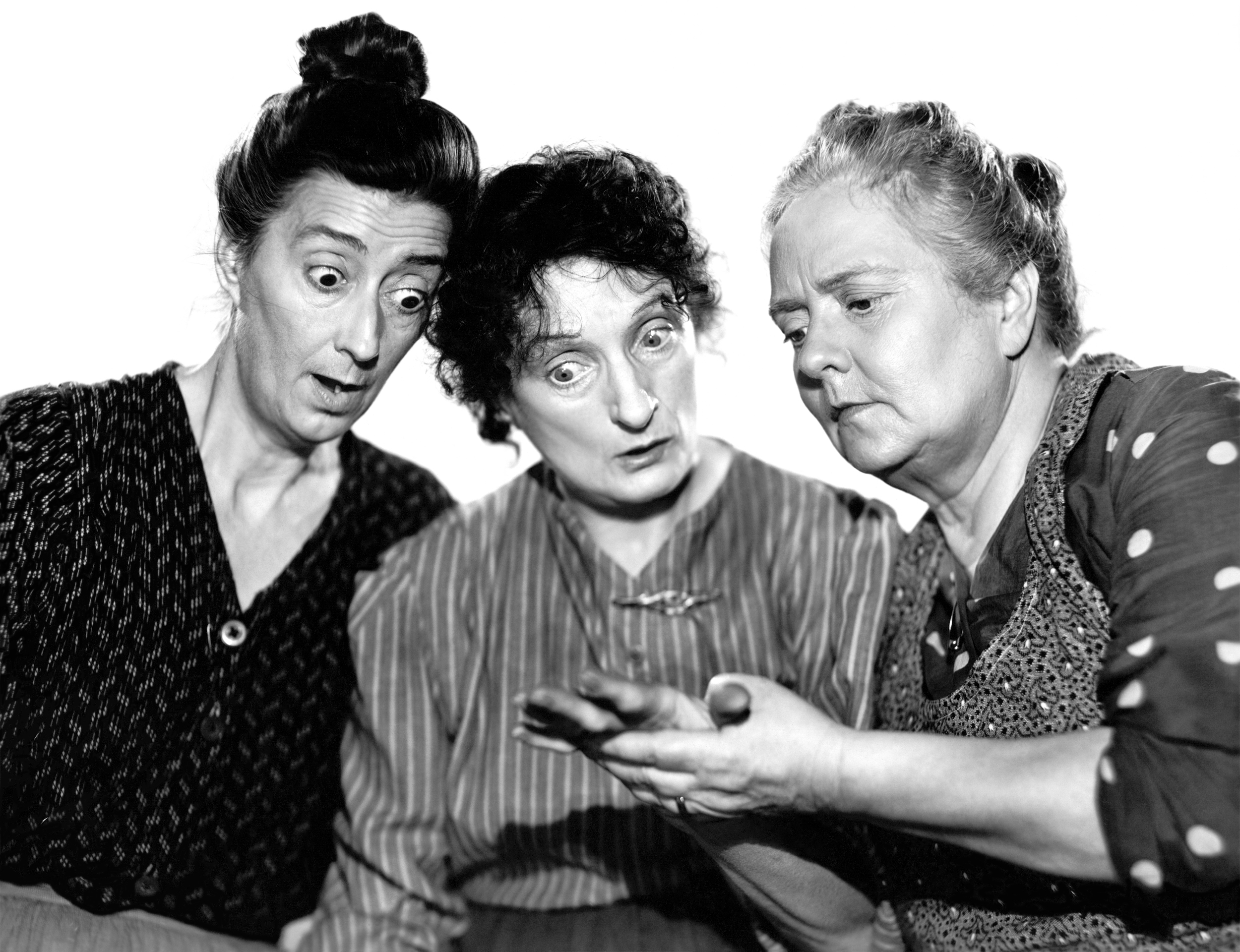 Una O'Connor in Three Girls About Town (L to R) Almira Sessions, Una O'Connor, Dorothy Vaughan (Courtesy of Ricardo)