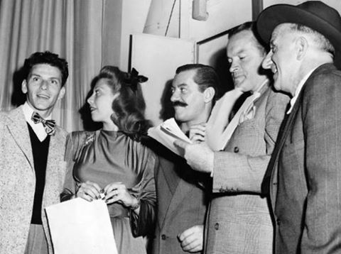 Frank Sinatra, Dinah Shore, Jerry Colonna, Bob Hope and Jimmy Durante on the radio in 1947.
