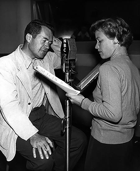 Frank Lovejoy and his wife Joan Banks often worked together on the NBC program, Night Beat.