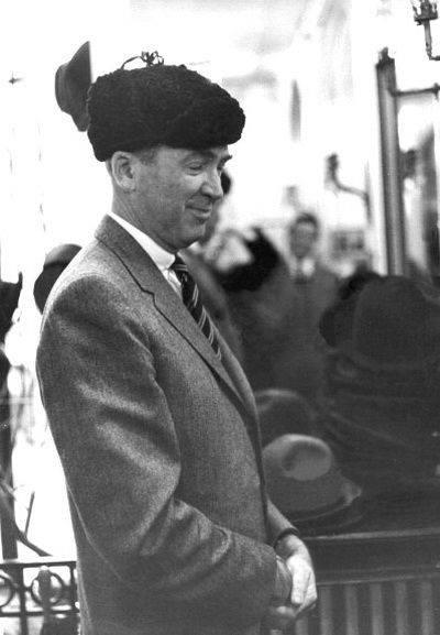 Mr. Stewart Goes To Paris, 1959
