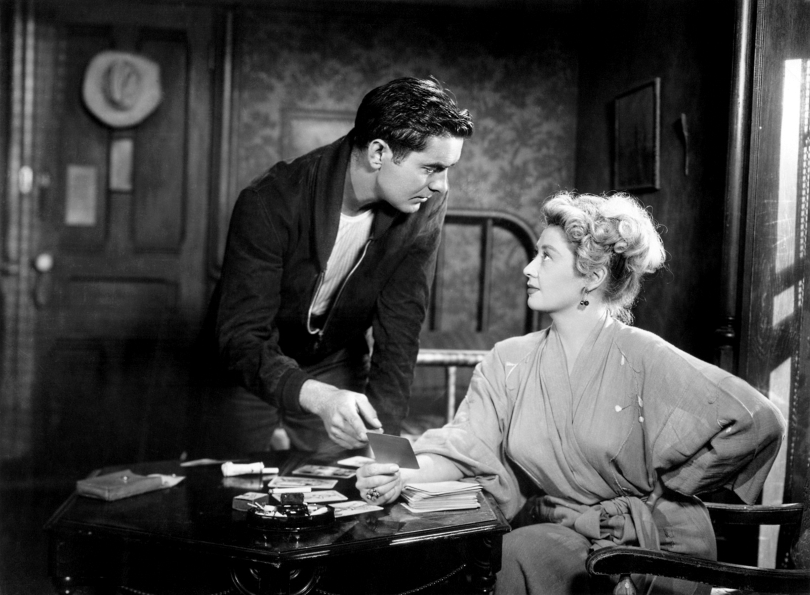 Tyrone Power, Jr. in Nightmare Alley With Joan Blondell