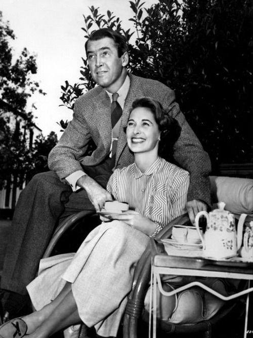 Happy anniversary, James and Gloria Stewart! It was on this day in 1949 that this happy couple got married.