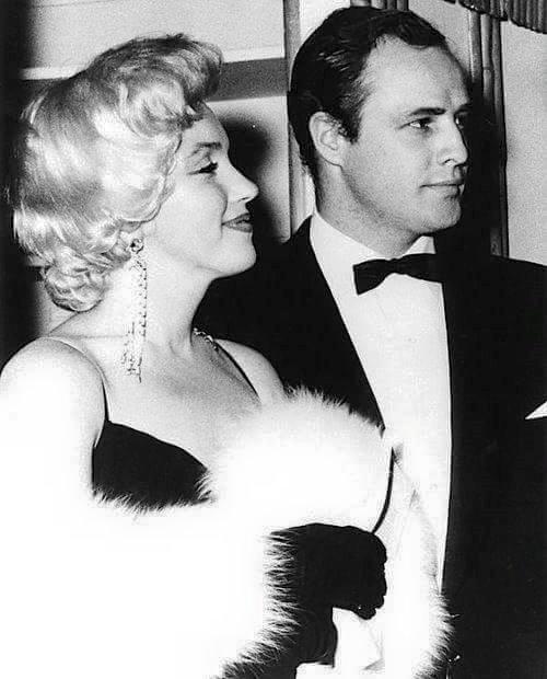 Marlon Brando with her wife Marilyn Monroe
