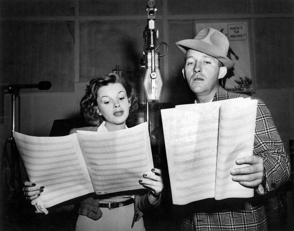 Judy Garland appears with Bing Crosby on The Chesterfied Show as a semi-regular during the 1950 and 1951 seasons.