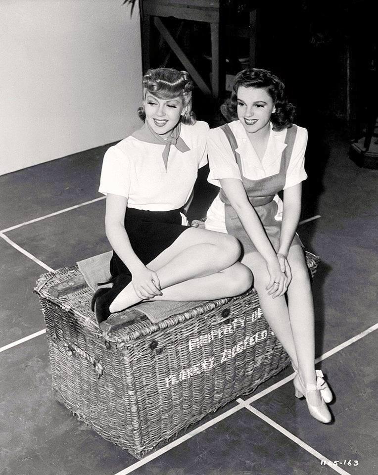 Lana Turner & Judy Garland -Ziegfeld Girl(1941).