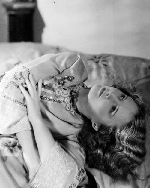 Barbara Stanwyck -