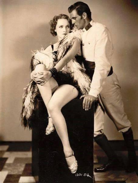 Marlene Dietrich & Gary Cooper -Marocco(1930).