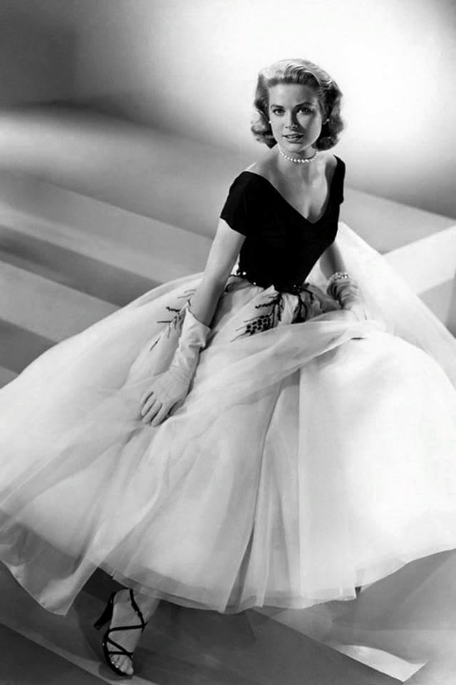 Grace Kelly -Rear Window(1954).