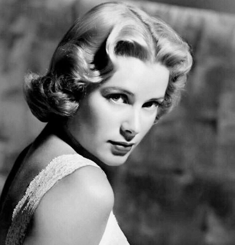 Grace Kelly in a promotional photo for the movie
