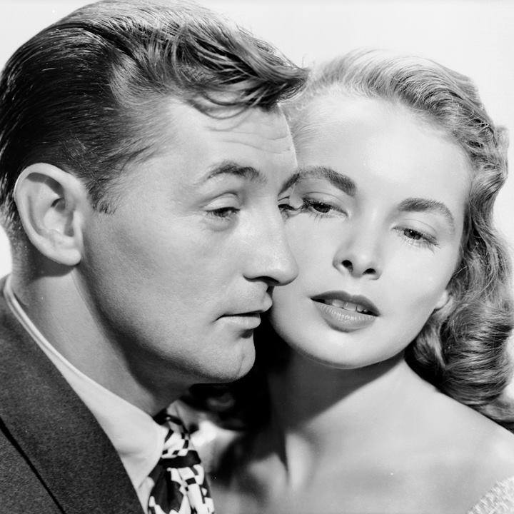 Robert Mitchum and Janet Leigh