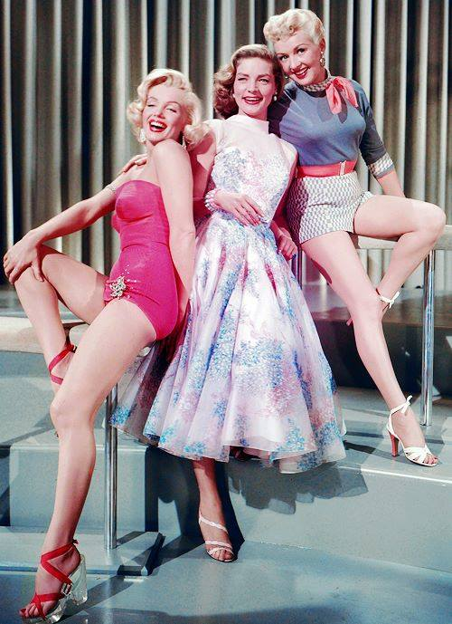 Marilyn Monroe,Lauren Bacall & Betty Grable -How to Marry a Millionaire(9153).