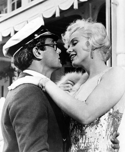 Tony Curtis and Marilyn Monroe