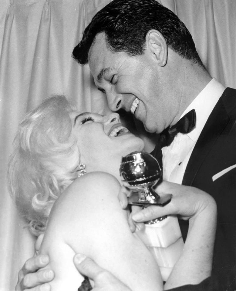 Rock Hudson and Marilyn Monroe al Golden Globe Awards nel 1962.