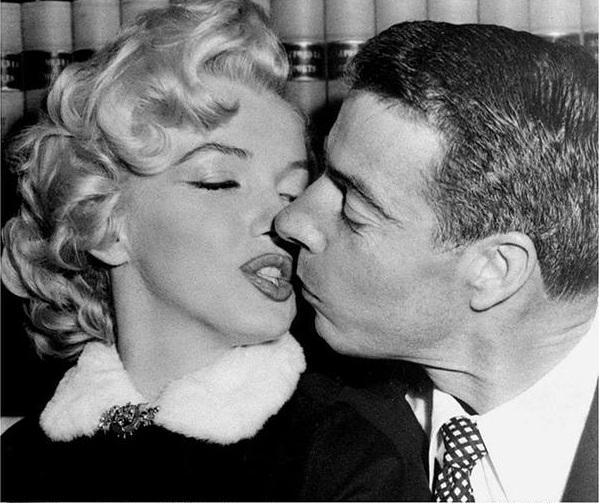 Marilyn Monroe and Joe Dimaggio.