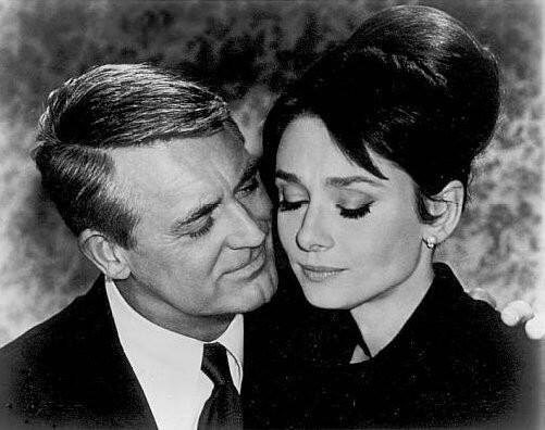 Cary Grant e Audrey Hepburn