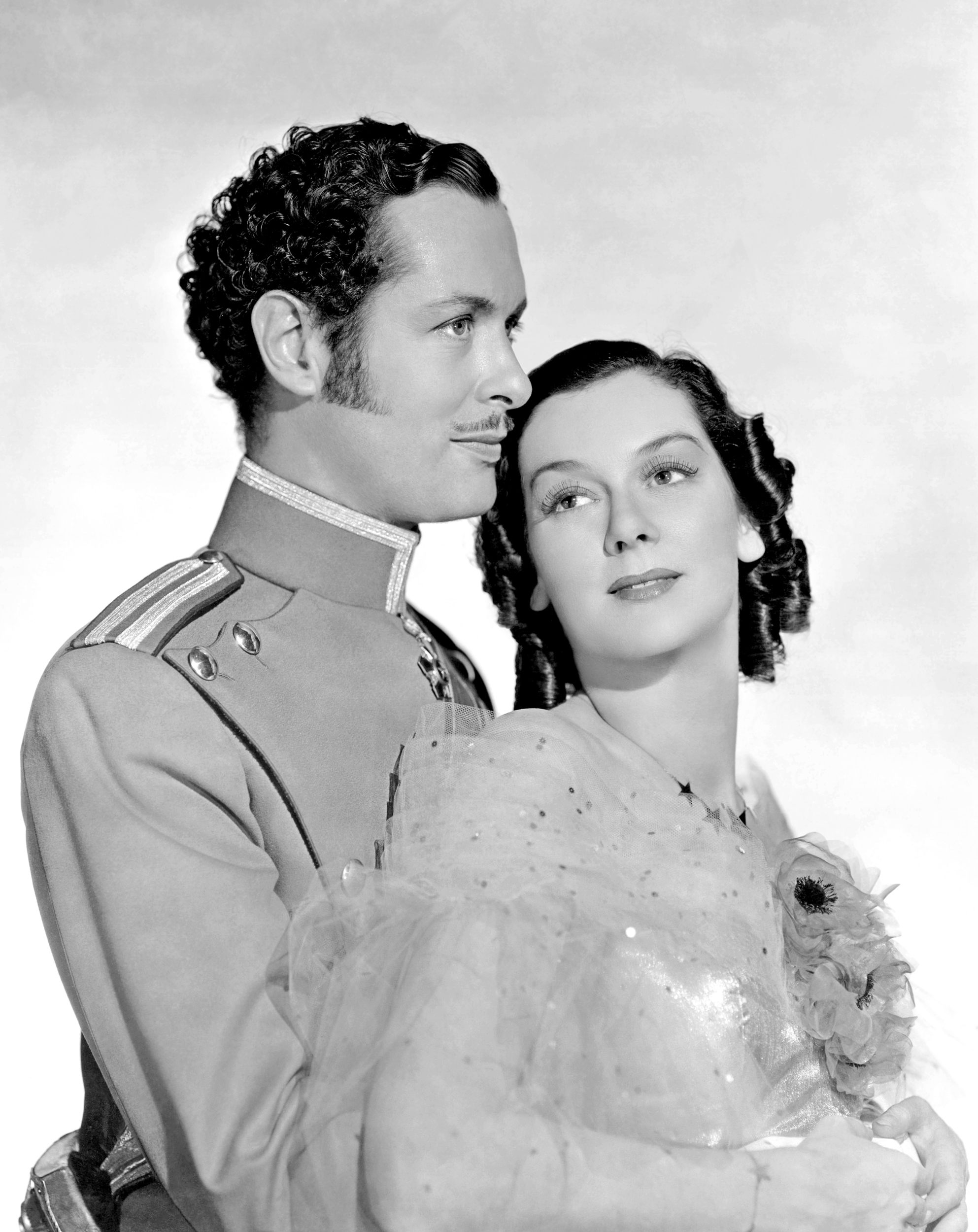 Rosalind Russell With Robert Montgomery.
