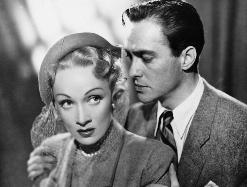 Richard Todd e Marlene Dietrich