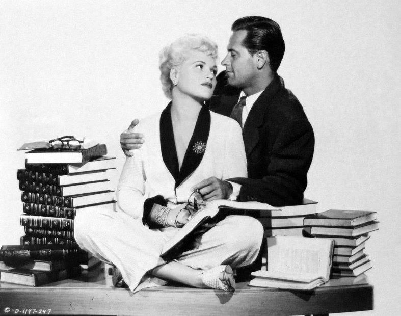 William Holden e Judy Holliday