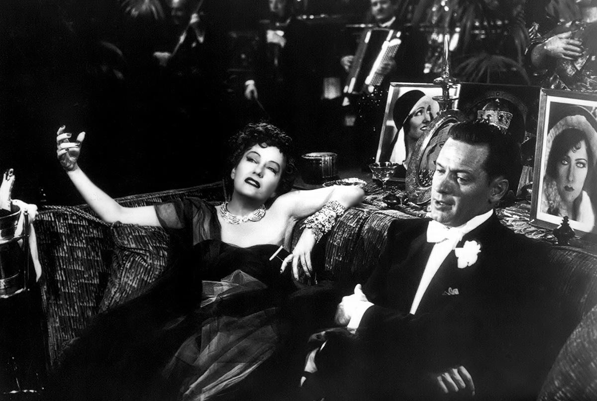 Gloria Swanson With William Holden.