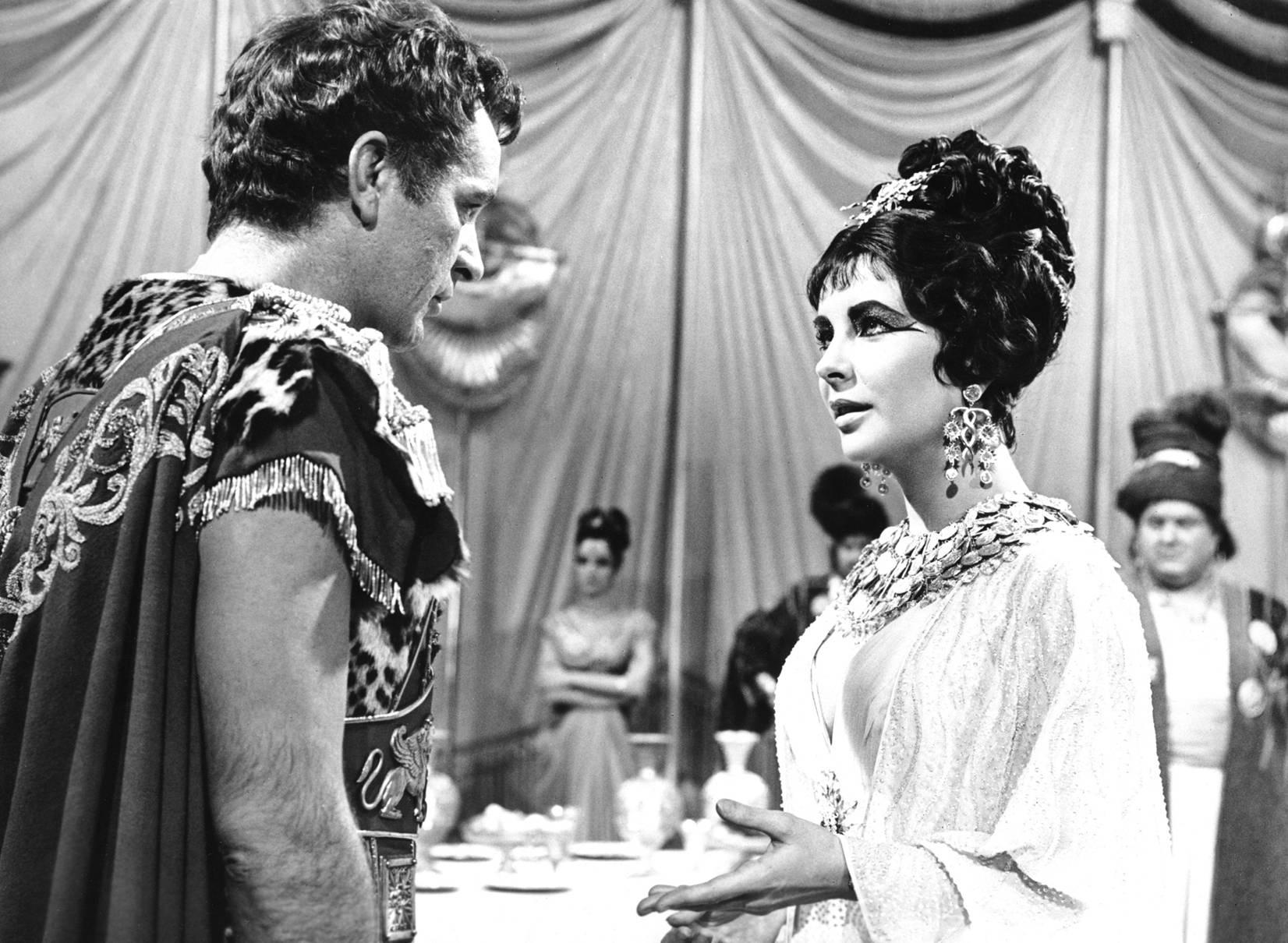 Elizabeth Taylor with Richard Burton.