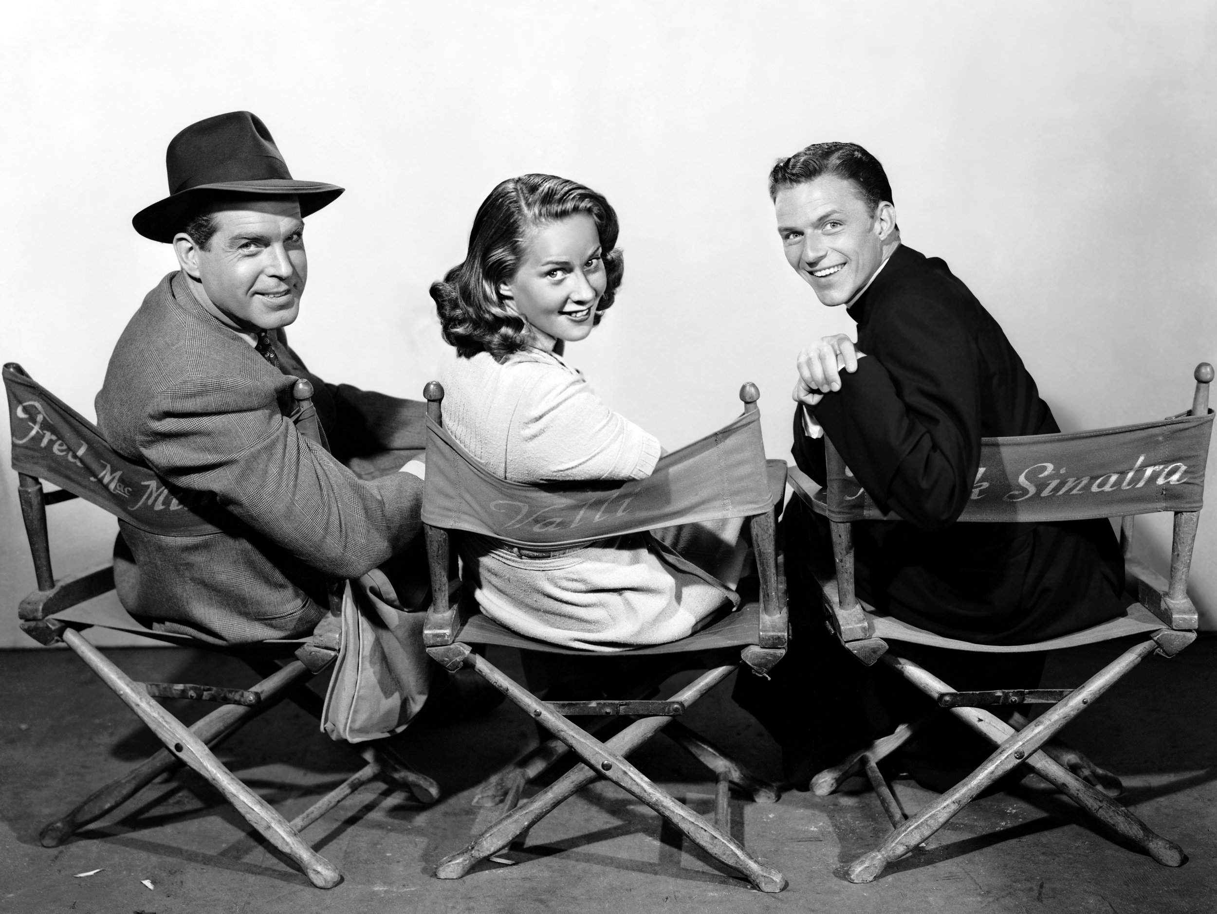 (L to R) Fred MacMurray, Alida Valli, Frank Sinatra