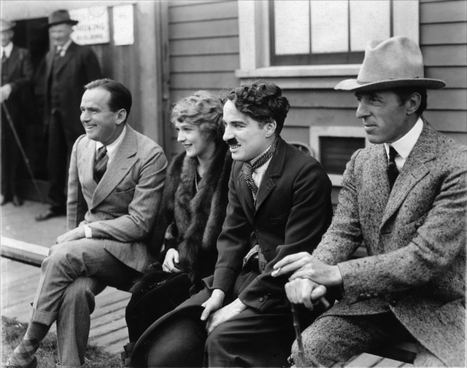 (L to R) Douglas Fairbanks, Sr.,Mary Pickford,Charlie Chaplin,D.W. Griffith,
