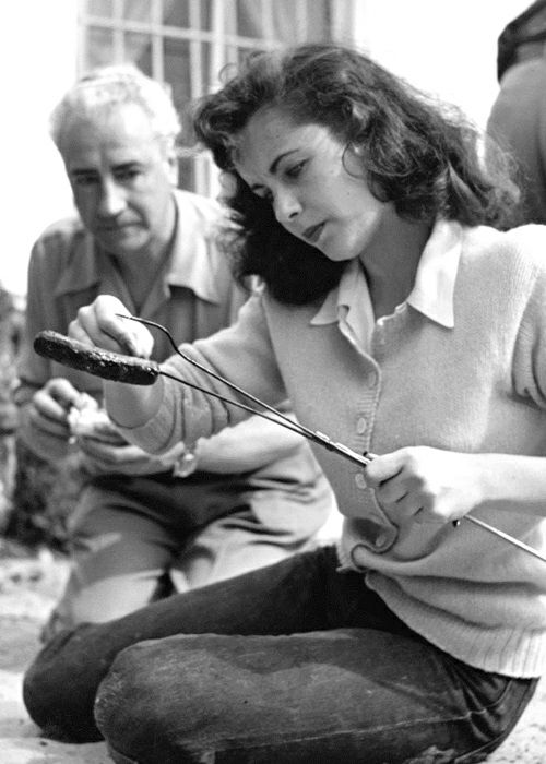 Elizabeth Taylor with her father -1948