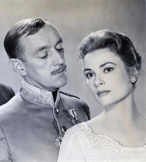 ALEC GUINNESS & GRACE KELLY
