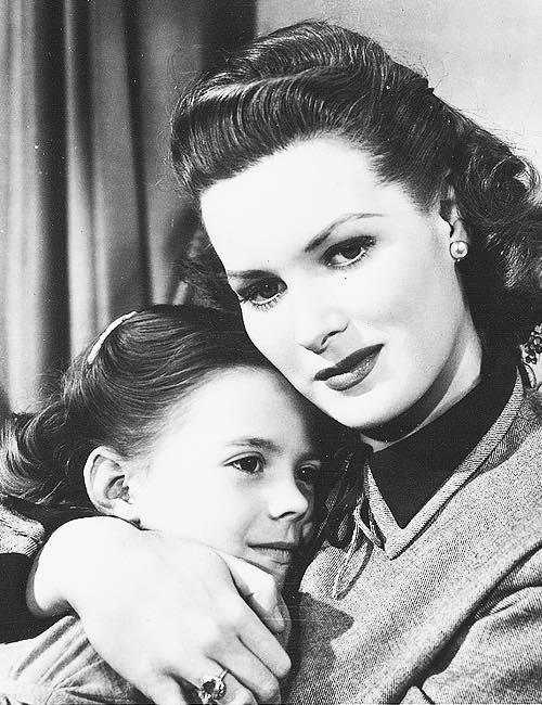 Maureen O'Hara on Natalie Wood